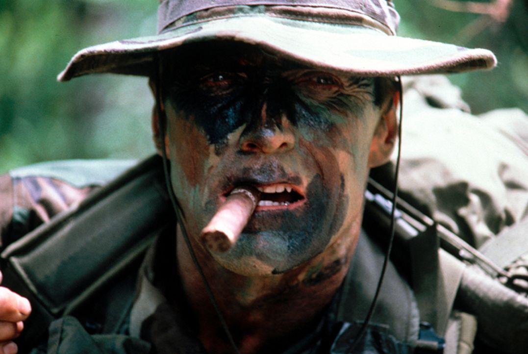 Gunnery Sergent Thomas Highway (Clint Eastwood) - Bildquelle: 1986 Warner Bros. Pictures. Tous droits réservés.