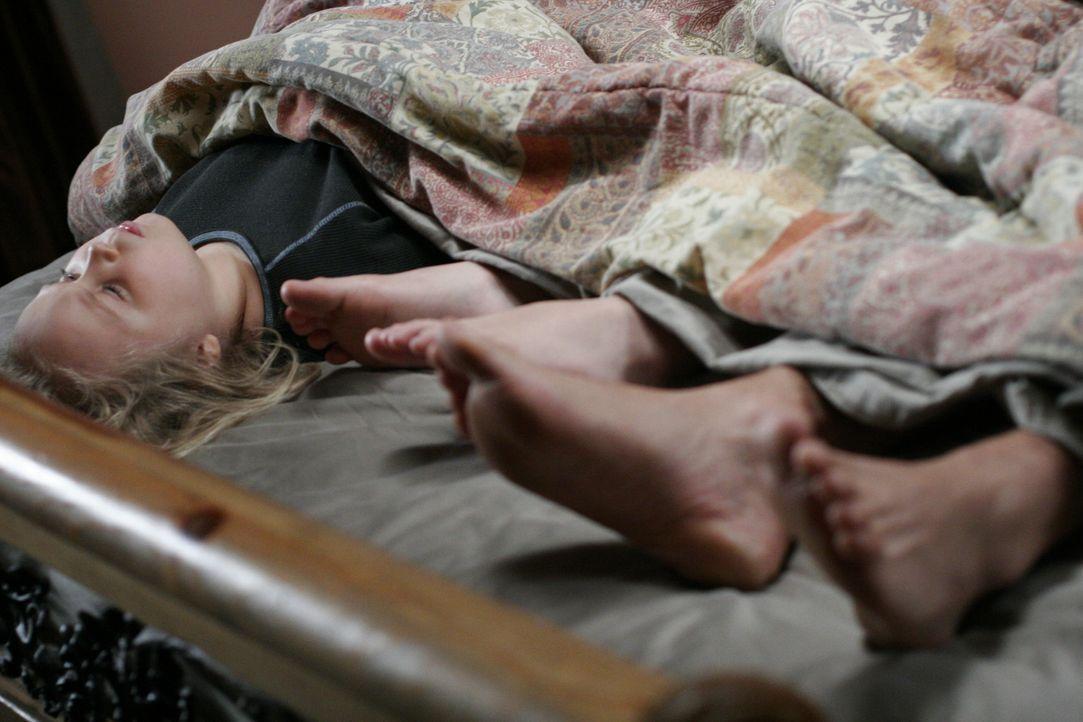 Bridgette Dubois (Maria Lark) hat sich entschieden, dass es besser ist, anders herum im Bett zu liegen … - Bildquelle: Paramount Network Television