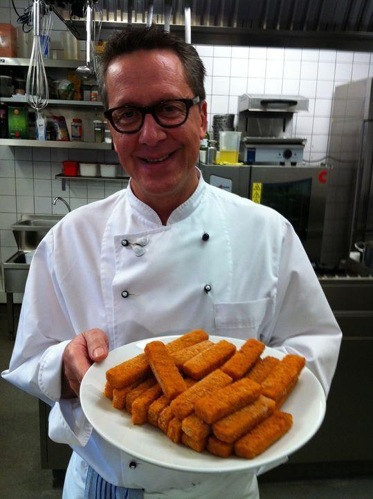 """Dirk Hoffmann, rheinische Frohnatur und Chefkoch aus """"Hoffmanns gute Küche"""" in Düsseldorf macht für uns die Kochprobe aufs Exempel. Heute gibt es... - Bildquelle: kabel eins"""