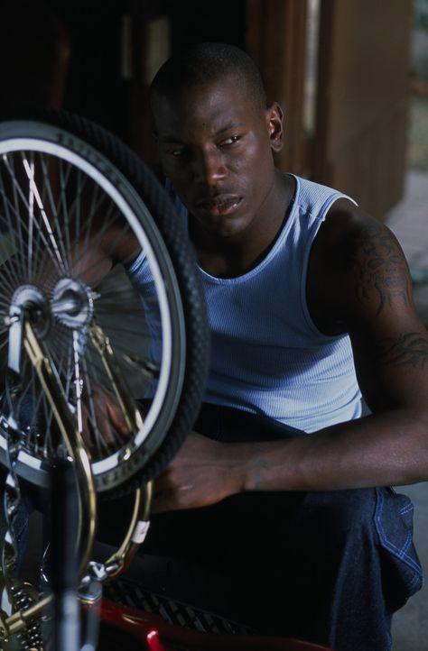 Der 20-jähriger unverheirateter Afro-Amerikaner Jody (Tyrese Gibson) lebt mit seinen zwei Kindern, die von unterschiedlichen Frauen sind, in South... - Bildquelle: 2003 Sony Pictures Television International