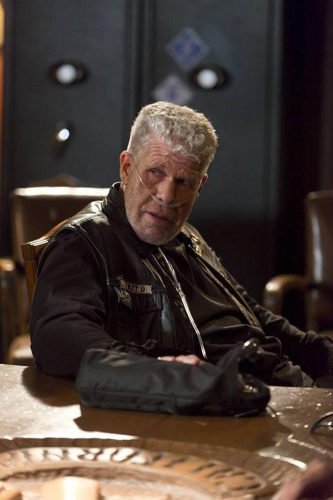 Clay (Ron Perlman) wird seine Position bei den Sons nicht kampflos aufgeben ... - Bildquelle: 2012 Twentieth Century Fox Film Corporation and Bluebush Productions, LLC. All rights reserved.