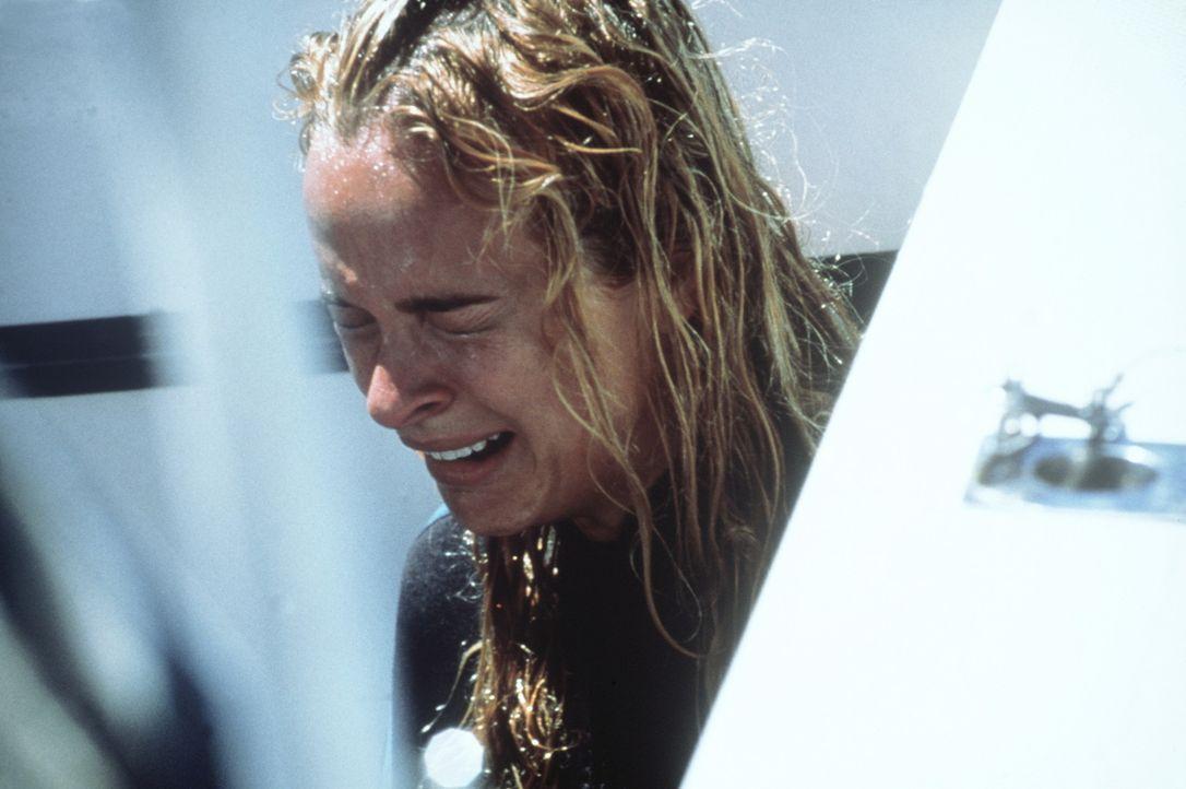 Nachdem ihre Schwester im Rachen eines Weißen Hais landete, macht sich Samantha (Nikita Ager) auf die Jagd nach dem Ungetüm ... - Bildquelle: Nu Image