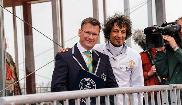 Guinness-Juror und Eischampion - Bildquelle: kabel eins/  Morris Mac