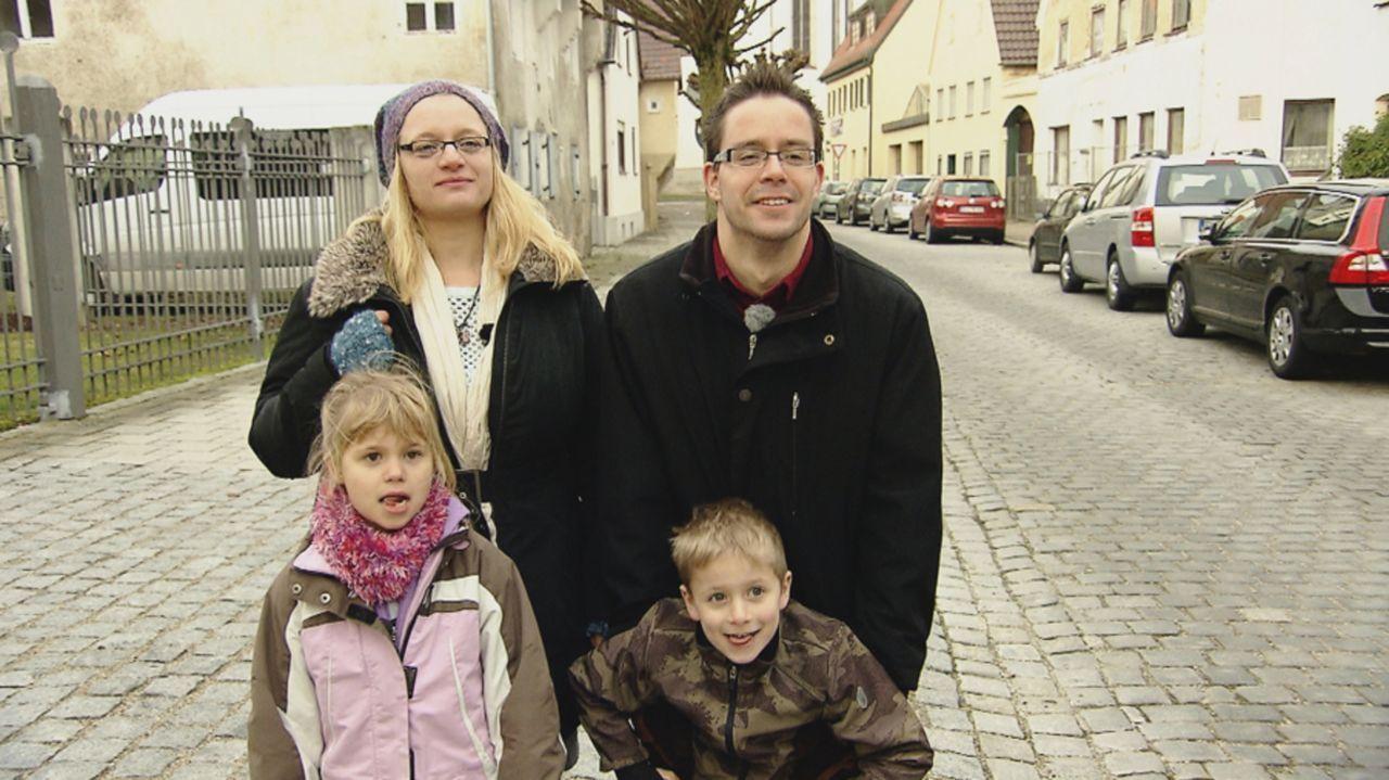 Marie und Tobias Schneider - beide 37 - leben zusammen mit ihren Kindern Isabel (8) und Joshua (6) im schwäbischen Donautal. Vor sieben Jahren haben... - Bildquelle: kabel eins