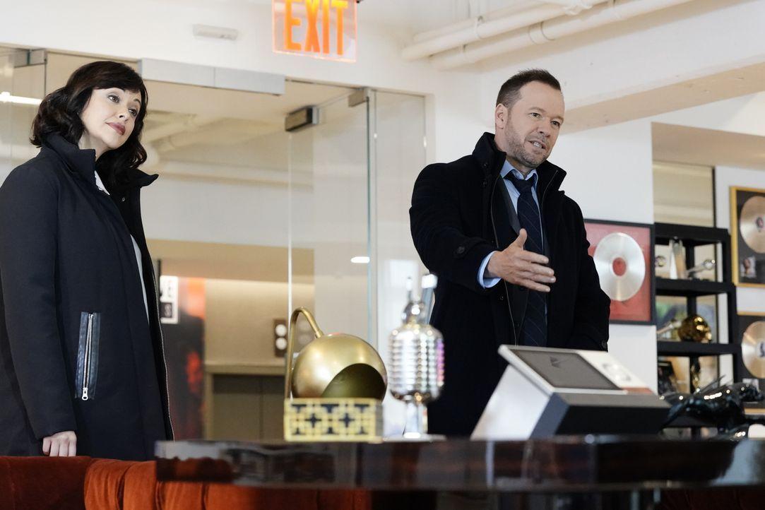 Maria Baez (Marisa Ramirez, l.); Danny Reagan (Donnie Wahlberg, r.) - Bildquelle: John Paul Filo 2018 CBS Broadcasting, Inc. All Rights Reserved.