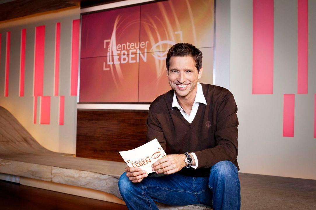 """Menschen wollen Antworten! Der """"Abenteuer Leben""""-Moderator Andreas Türck liefert sie auf verständliche Art und Weise. - Bildquelle: Benedikt Müller kabel eins"""