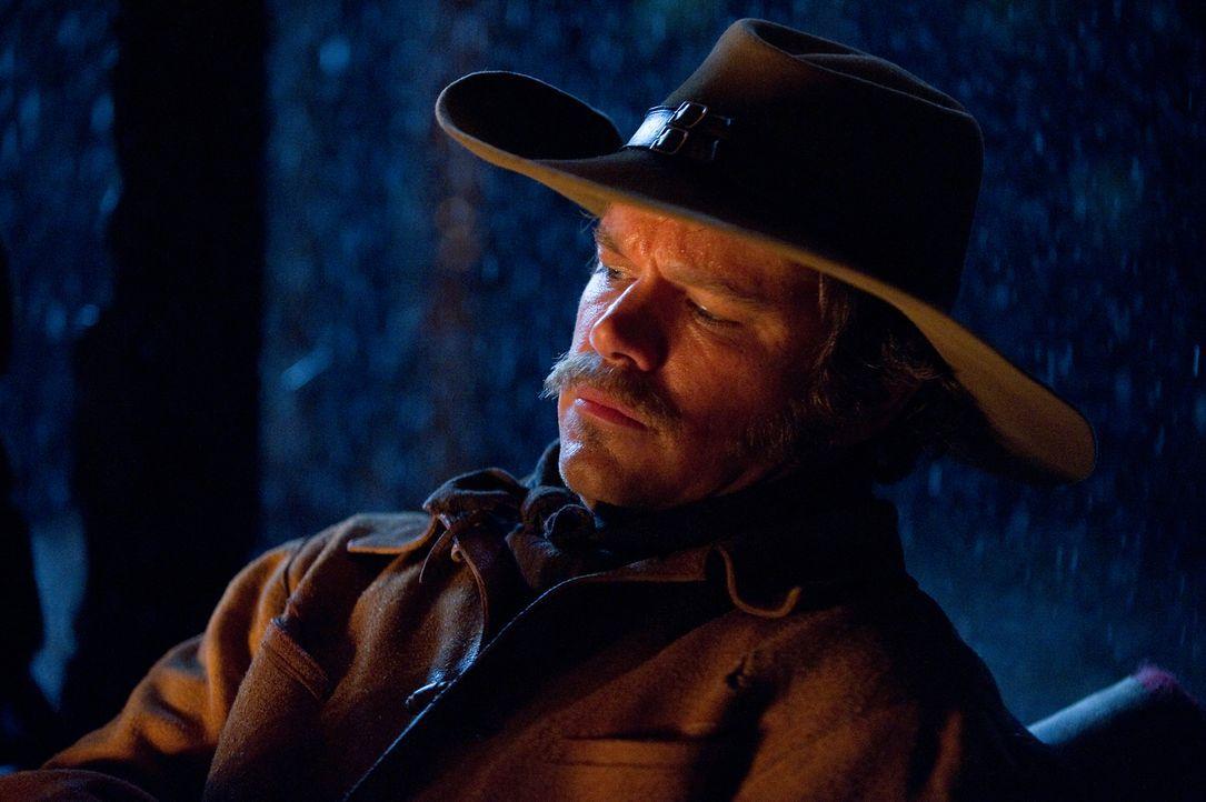 Immer wieder versucht sich der Texas Ranger LaBoeuf (Matt Damon), von Mattie und Marshall Rooster Cogburn abzusetzen, doch die gemeinsame Jagd nach... - Bildquelle: (2010) PARAMOUNT PICTURES. All rights reserved.