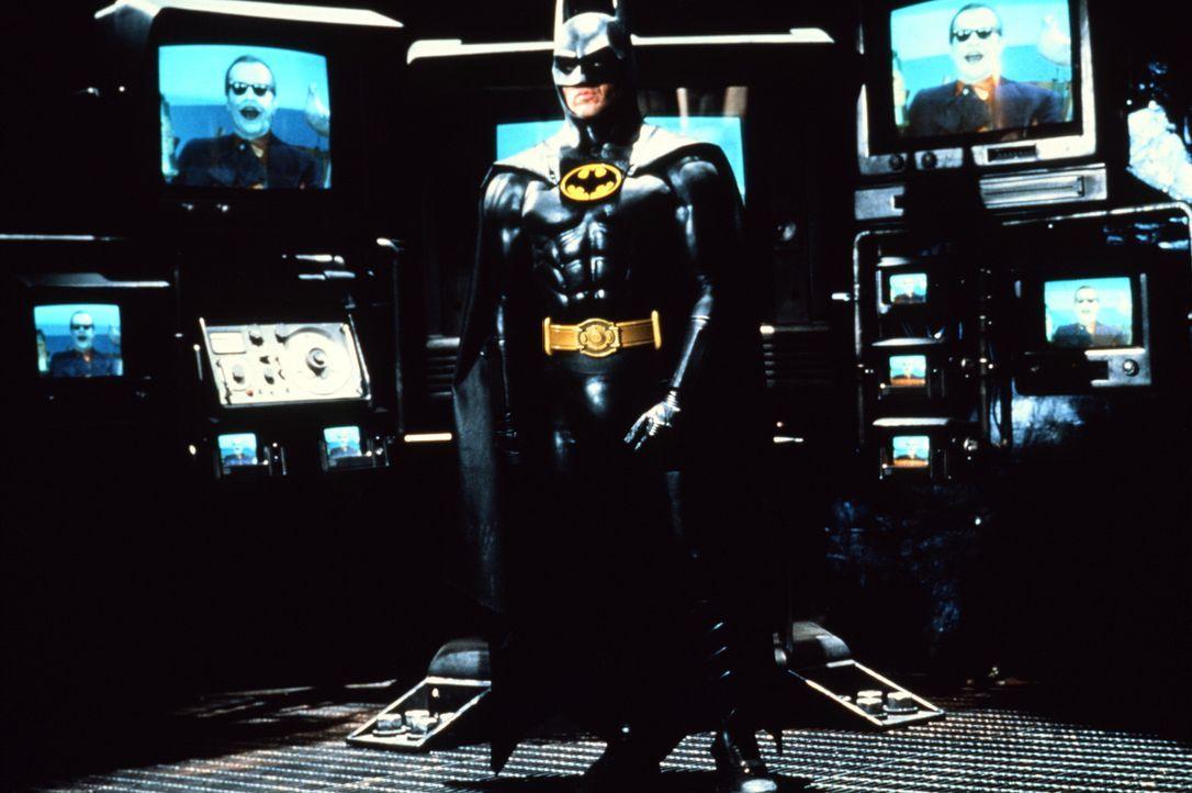 Batman (Michael Keaton, M.) ist bereit, den Kampf gegen Joker (Jack Nicholson) aufzunehmen. - Bildquelle: Warner Bros.
