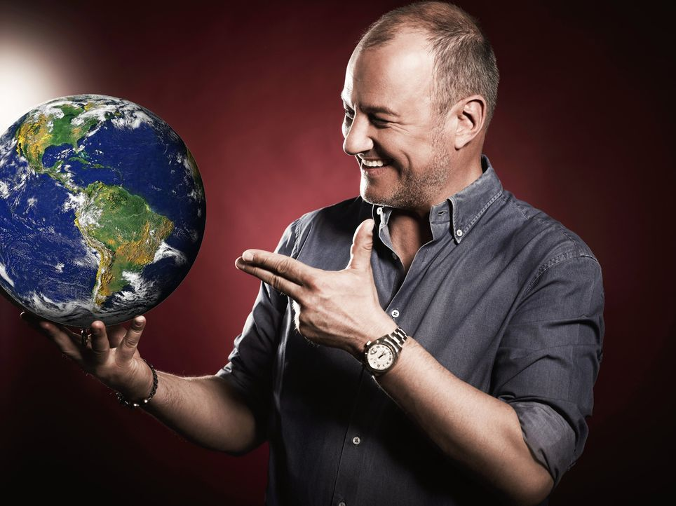 """Bei """"Rosin weltweit - Andere Länder, andere Fritten"""" kümmert sich Frank Rosin gezielt um Auswandererküchen und deren Rettung ... - Bildquelle: Frank Klewe kabel eins"""