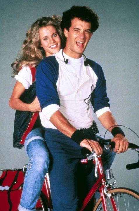 Richard Drew (Tom Hanks, r.) gerät zwischen die Fronten zweier rivalisierender US-Geheimdienste und wird als Spion verdächtigt. Als die hübsche Agen... - Bildquelle: 1985 Twentieth Century Fox Film Corporation.  All rights reserved.