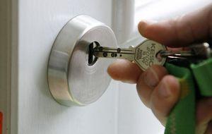 Schloss der Haustür mit Haustürschlüssel