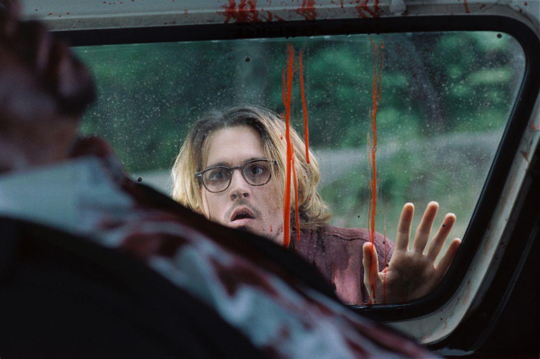 Gefangen in einem teuflischen und tödlichen Katz-und-Maus-Spiel: Mort (Johnny Depp) ... - Bildquelle: Sony Pictures Television International. All Rights Reserved.