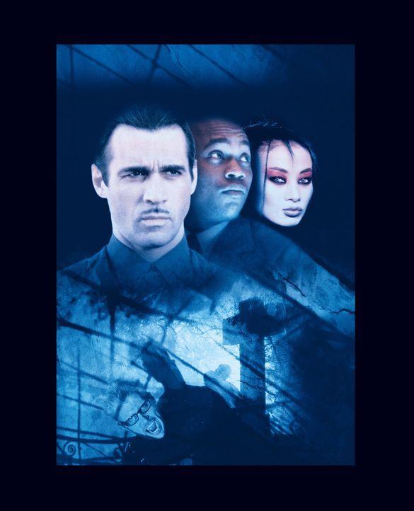 Eine grausame Mordserie bringt die Vampire Aaron Gray (Adrian Paul, l.) und Lucy Westenra (Bai Ling, r.) mit dem sterblichen NSA-Agent Steven Grant... - Bildquelle: 2004 Sony Pictures Television International. All Rights Reserved.