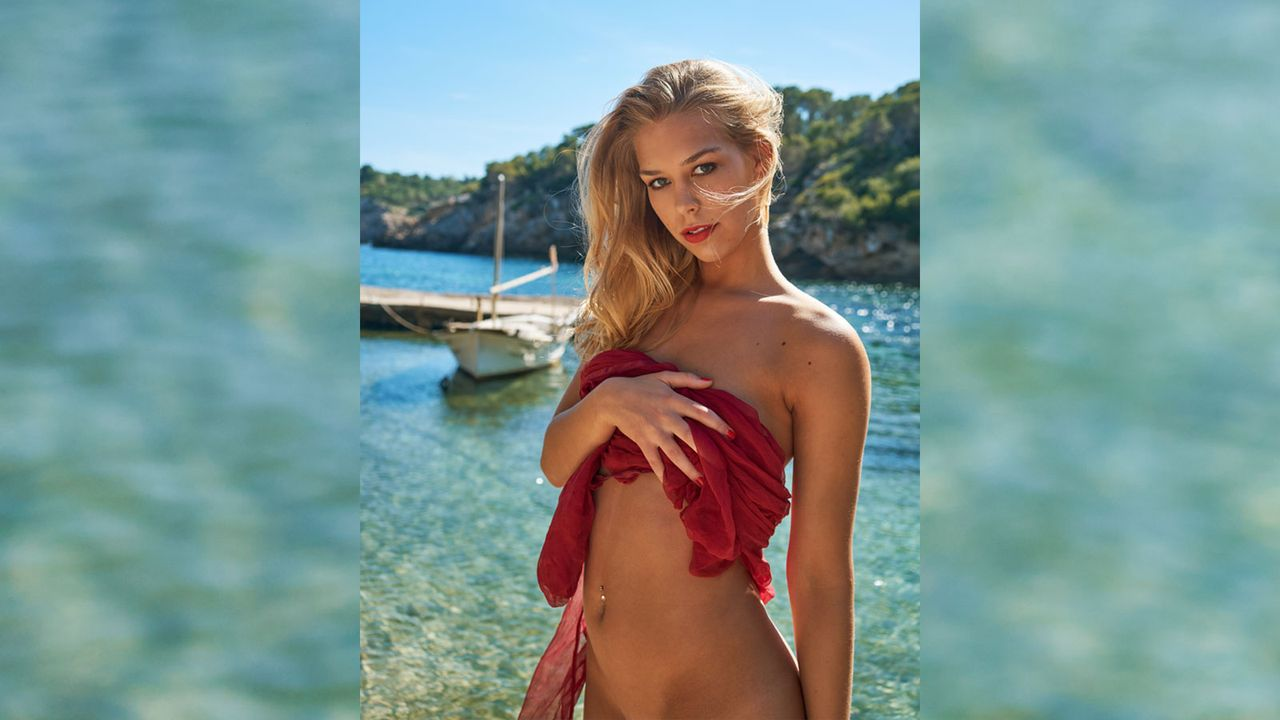 playmate-september-2016-3 - Bildquelle: Simon Bolz für Playboy September 2016