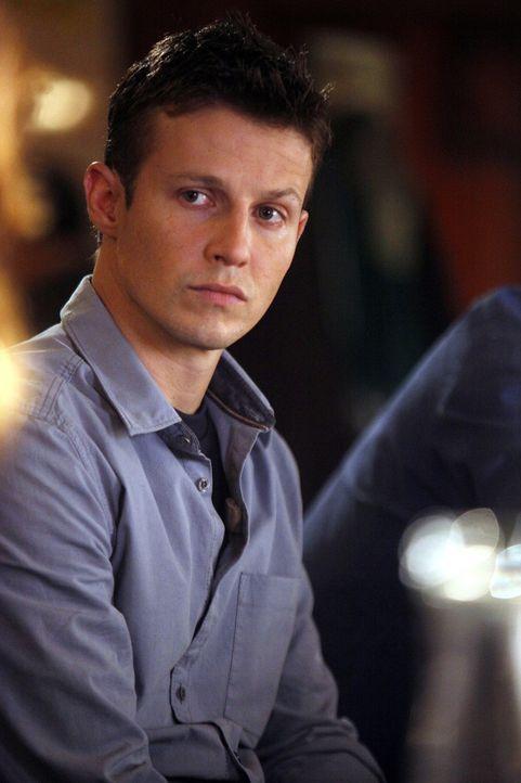 Kann Jamie (Will Estes) endlich sein Können als Polizist unter Beweis stellen? - Bildquelle: 2010 CBS Broadcasting Inc. All Rights Reserved