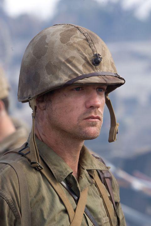 """Die Marines sollen den wichtigen Flughafen auf Peleliu einnehmen. Für Capt. """"Ack Ack"""" Haldane (Scott Gibson) und seine Männer beginnt ein gnadenlose... - Bildquelle: Home Box Office Inc. All Rights Reserved."""