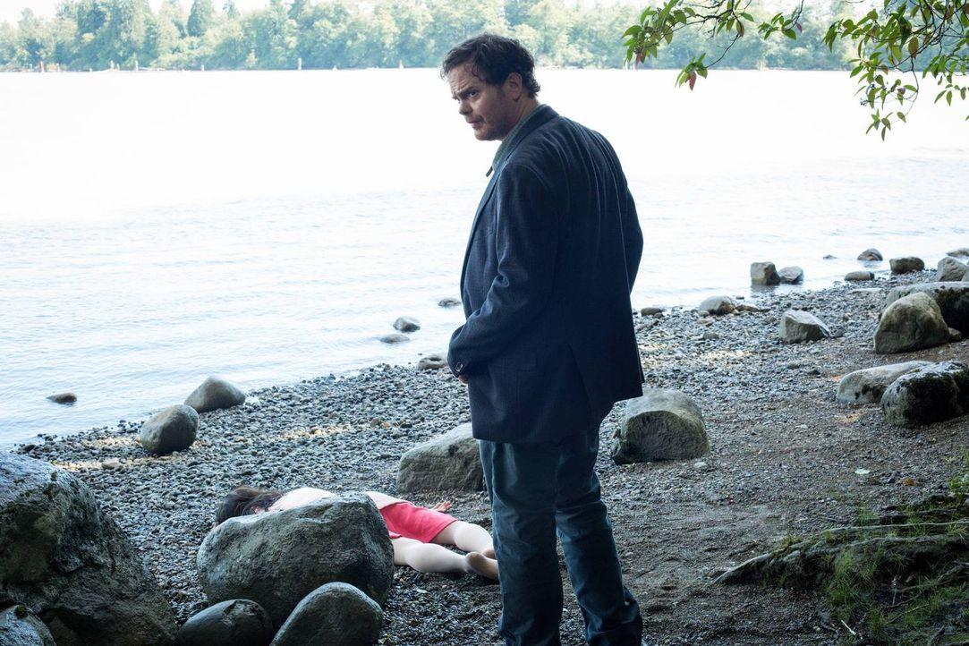 Als eine Dragqueen tot aufgefunden wird, beginnt Backstrom (Rainn Wilson) seine Ermittlungen - auch im Untergrund von Portland ... - Bildquelle: 2015 Fox and its related entities. All rights reserved.