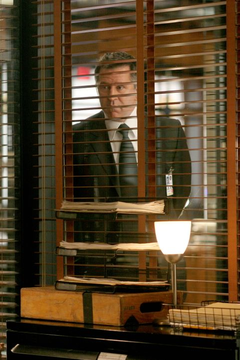 Ihm entgeht nichts: Jack (Anthony LaPaglia) - Bildquelle: Warner Bros. Entertainment Inc.