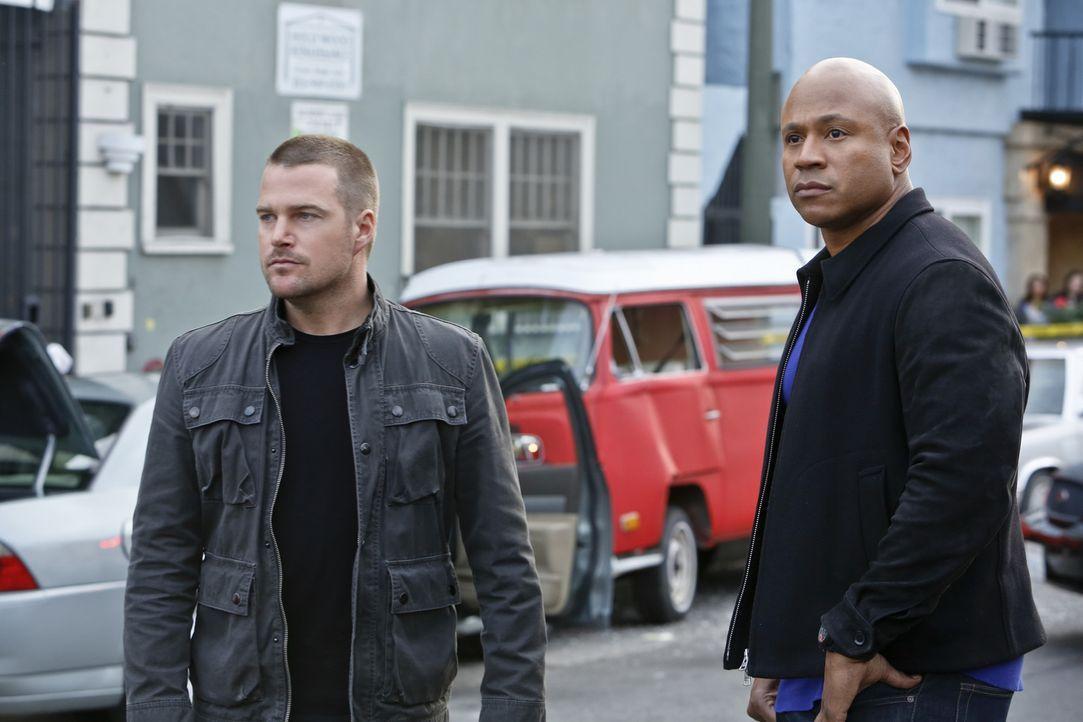 Callen (Chris O'Donnell, l.) macht sich Sorgen, dass Sam (LL Cool J, r.) persönlich in ihren neuen Fall involviert ist ... - Bildquelle: CBS Studios Inc. All Rights Reserved.