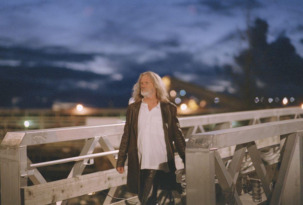 Blades Mentor und Helfer in der Not: Professor Abraham Whistler (Kris Kristofferson) ... - Bildquelle: New Line Cinema