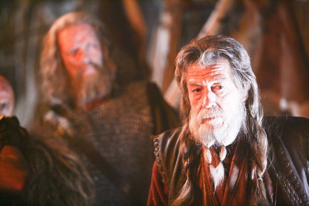 Im Jahre 709 landet ein Außerirdischer samt einem mörderischen blinden Passagier in Wikinger-König Rothgars (John Hurt) Reich. Sofort beginnt das... - Bildquelle: Telepool