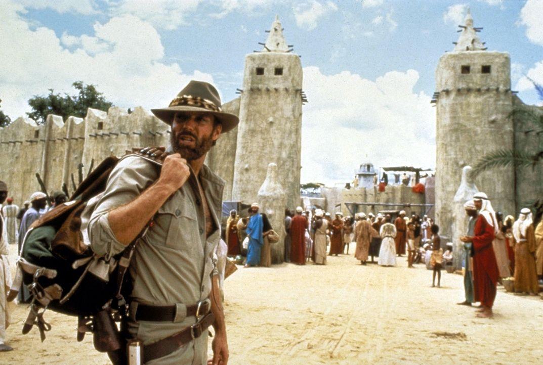 Der Abenteurer Allan Quatermain (Richard Chamberlain) macht sich auf den Weg, um den verschollenen Archäologen Professor Huston zu suchen ... - Bildquelle: Cannon Group