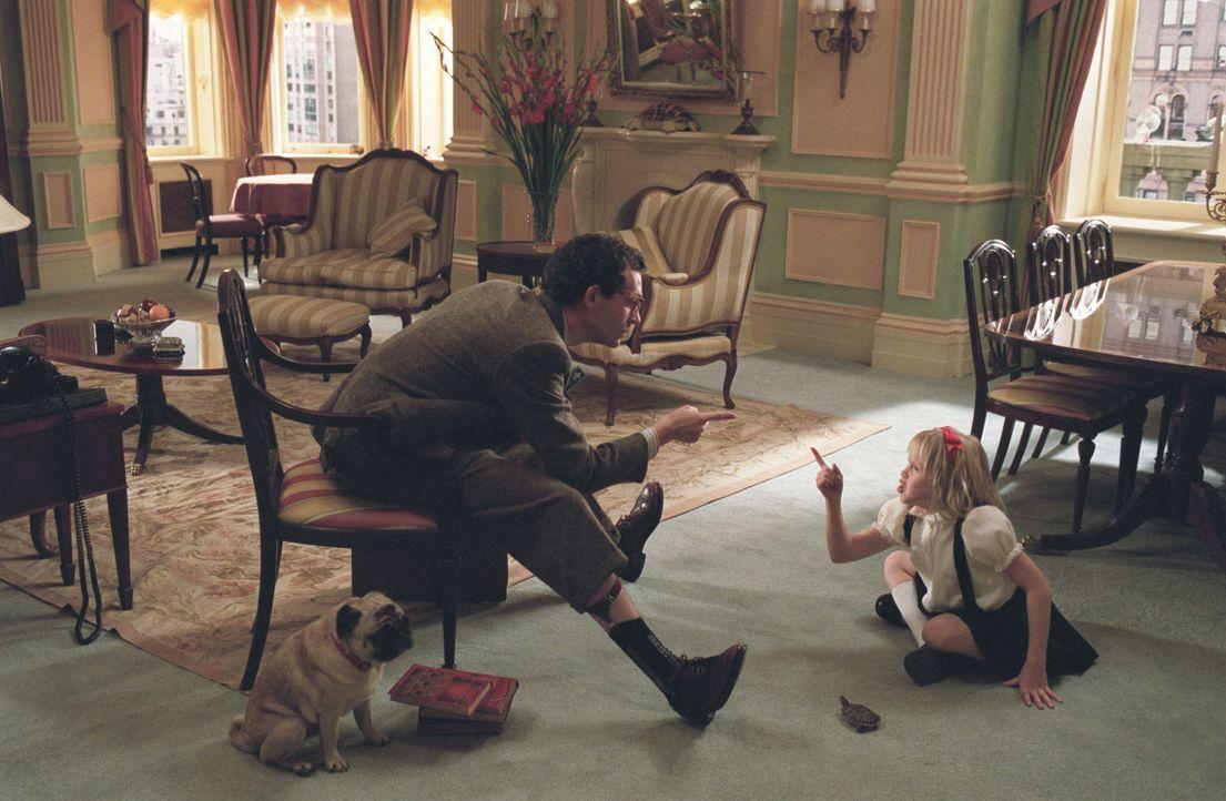 Immer wieder muss Hauslehrer Philip (Jonas Chernick, l.) erkennen, dass seine umtriebige Schülerin Eloise (Sofia Vassilieva, r.) nur schwer zu brem... - Bildquelle: American Broadcasting Company (ABC)
