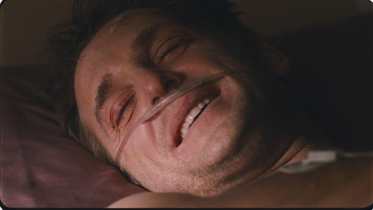 Kaum mit einem Spenderherzen versehen, muss Terry (Josh Lucas) erleben, dass sein neues Herz die Killer seines ursprünglichen Trägers kennt. Und e...