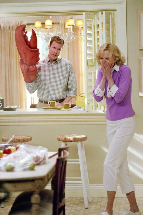 Werden Isabel (Nicole Kidman, r.) und Jack (Will Ferrell, l.) auch privat zueinander finden? - Bildquelle: 2005 Columbia Pictures Industries, Inc. All Rights Reserved.
