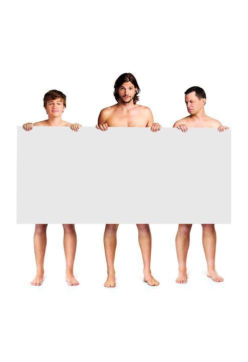 (9. Staffel) - Wahre Männer? Walden (Ashton Kutcher, M.), Alan (Jon Cryer, r.) und Jake Harper (August T. Jones, l.) ... - Bildquelle: Warner Brothers Entertainment Inc.