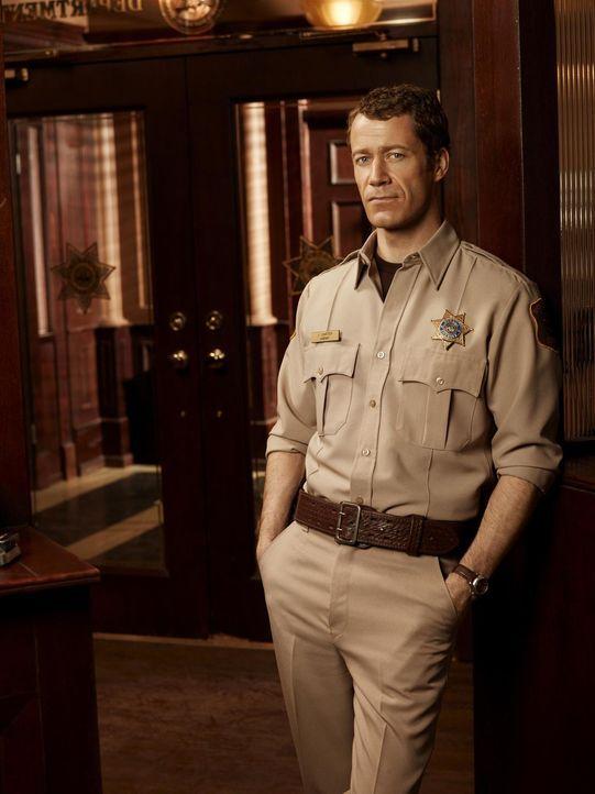 (4. Staffel) - Vor einiger Zeit landete Jack Carter (Colin Ferguson) durch Zufall in Eureka, einem kleinen Städtchen, in dem alles etwas anders ist... - Bildquelle: Universal Television