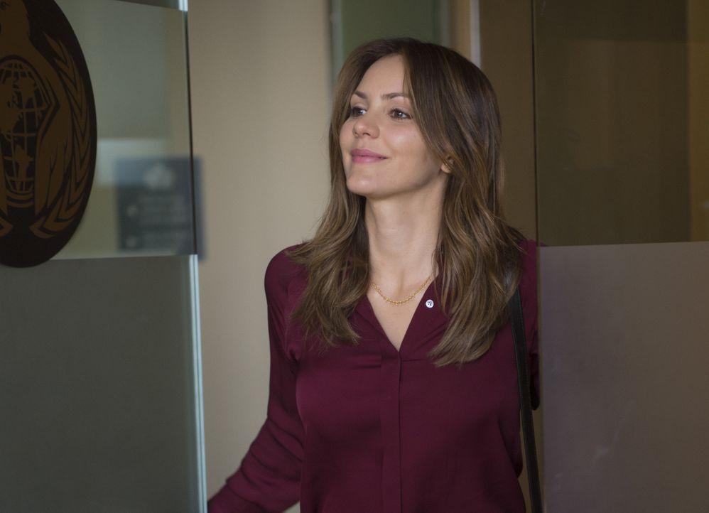 Riskiert ihr Leben, um einen skrupellosen Waffenhändler auszuschalten: Paige (Katharine McPhee) ... - Bildquelle: Neil Jacobs 2015 CBS Broadcasting, Inc. All Rights Reserved.