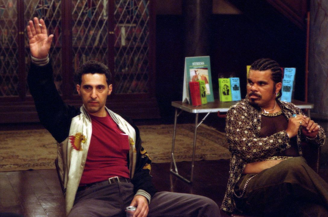 Chuck (John Turturro, l.) und Lou (Luis Guzman, r.) nehmen ebenfalls an Dr. Rydells Therapie teil ... - Bildquelle: 2003 Sony Pictures Television International. All Rights Reserved.