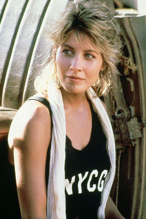 """Sue (Linda Kozlowski) reist in den australischen Outback, um eine Reportage über den Krokodiljäger Mick """"Crocodile"""" Dundee zu schreiben ... - Bildquelle: Paramount Pictures"""