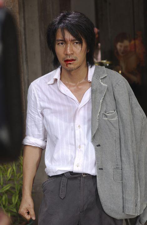 Als Sing (Stephen Chow) sich mit einer Vermieterin und deren Mann anlegen soll, um in die berühmte Axt-Gang aufgenommen zu werden, ist er überzeug... - Bildquelle: 2004 Columbia Pictures Film Production Asia Limited. All Rights Reserved.