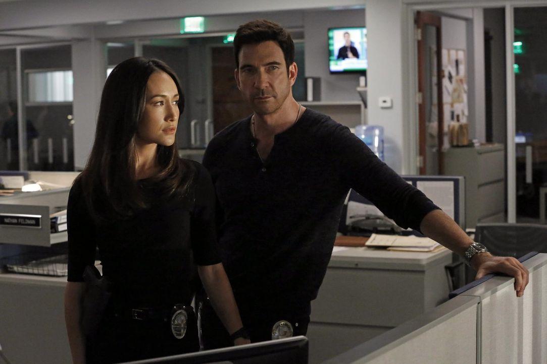 Ein neuer Fall beschäftigt Jack (Dylan McDermott, r.) und Beth (Maggie Q, l.) ... - Bildquelle: Warner Bros. Entertainment, Inc.