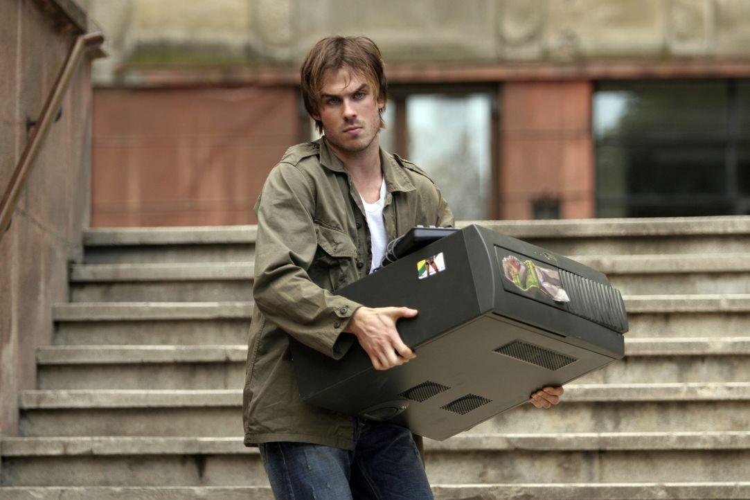 Als Dexter (Ian Somerhalder) Joshs PC kauft, ahnt er nicht, dass er darauf nicht nur rätselhafte E-Mails findet, sondern auch geisterhafte Gestalten... - Bildquelle: The Weinstein Company