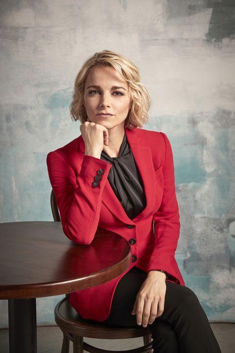 Lizzie Needham (Bojana Novakovic) - Bildquelle: David Needleman 2019 CBS Broadcasting Inc. All Rights Reserved. / David Needleman