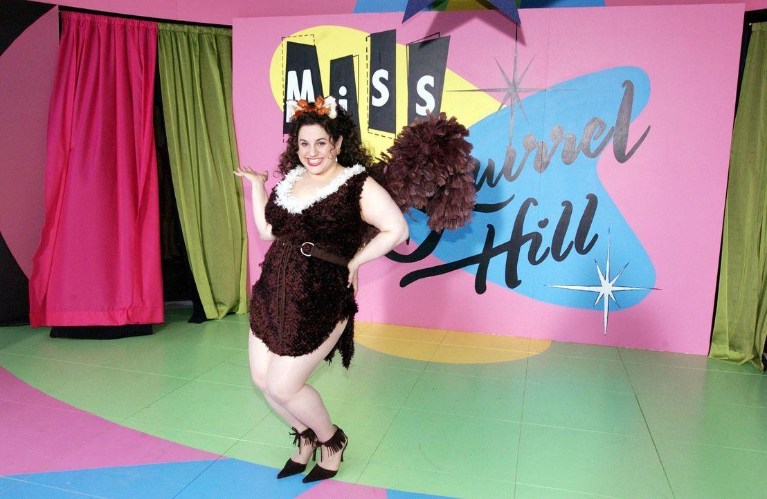 Als Becca (Marissa Jaret Winokur) von dem lokalen Schönheitswettbewerb erfährt, beschließt sie, daran teilzunehmen, obwohl ihre Maße keineswegs... - Bildquelle: Walt Disney Studios