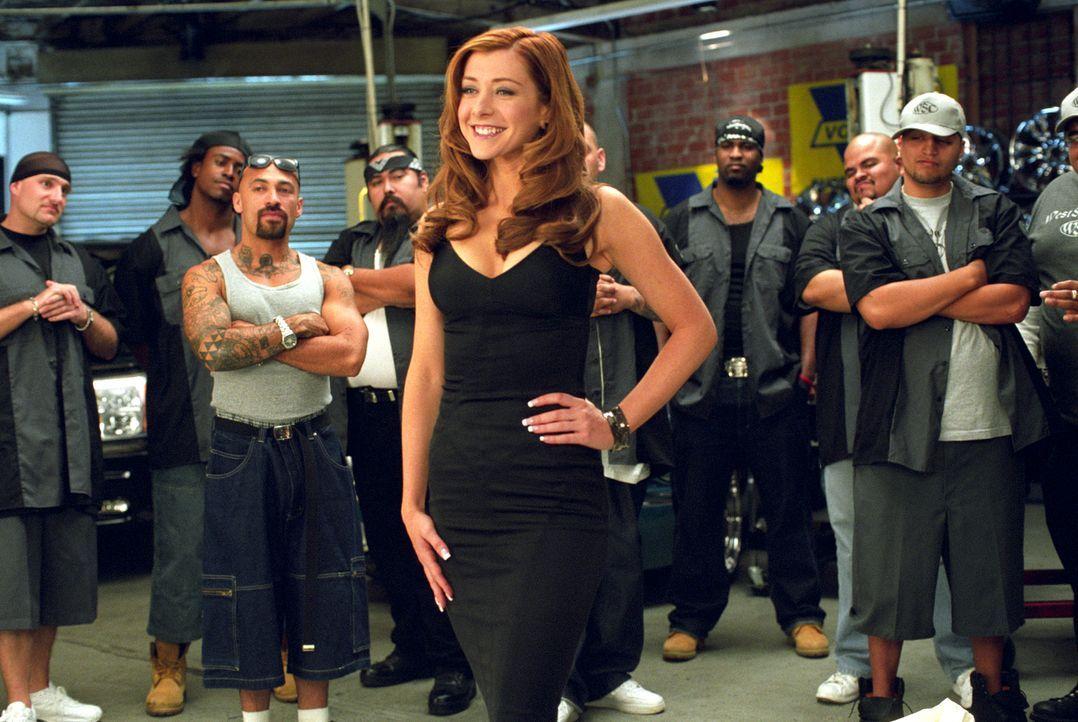 Gute Arbeit: Moppel Julia (Alyson Hannigan) wurde offiziell aufgepimpt ... - Bildquelle: Epsilon Motion Pictures
