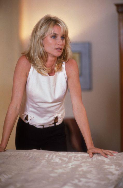 Die attraktive Blondine Alison Page (Nicollette Sheridan) weiß, ihre Reize gezielt einzusetzen ... - Bildquelle: 1997 TriStar Pictures, Inc. All Rights Reserved.