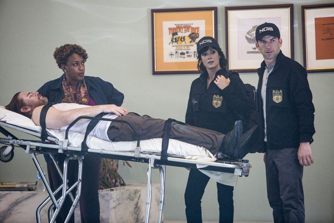 Das Team muss feststellen, dass es noch einen weiteren Toten gibt. Bei den Ermittlungen geben Wade (CCH Pounder, l.), LaSalle (Lucas Black, r.) und... - Bildquelle: Skip Bolen 2015 CBS Broadcasting, Inc. All Rights Reserved / Skip Bolen