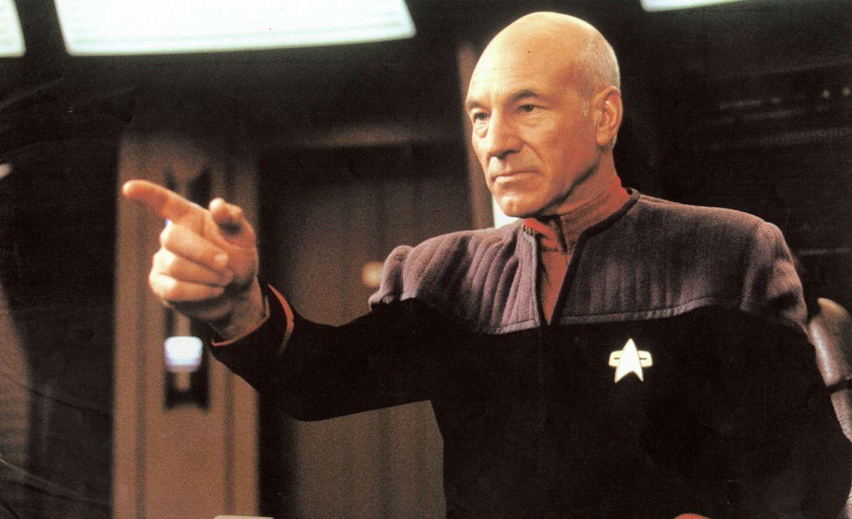 """""""Energie!"""" Captain Picard (Patrick Stewart) bei seinem liebsten Befehl ... - Bildquelle: Paramount Pictures"""