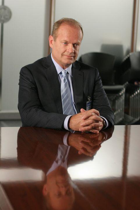 Bob Sherman (Kelsey Grammer) kauft Lebensversicherungspolicen von krebskranken Menschen und ermöglicht ihnen damit, sich von Dr. Bannister behandeln... - Bildquelle: Paramount Network Television