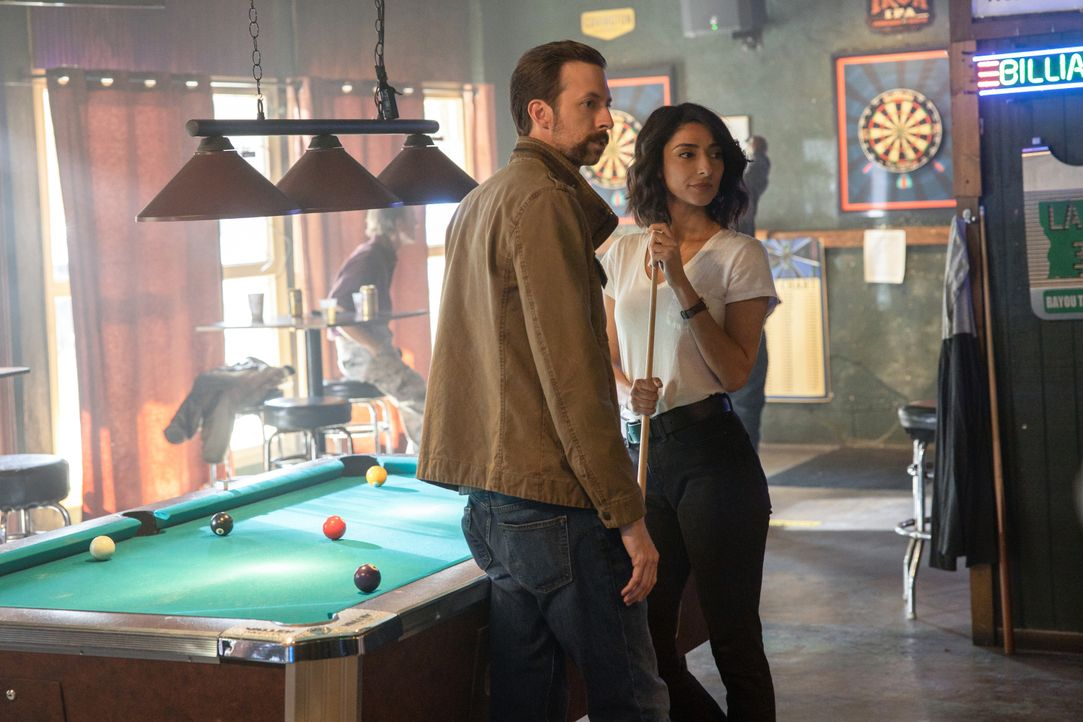 Sebastian Lund (Rob Kerkovich, l.); Special Agent Hannah Khoury (Necar Zadegan, r.) - Bildquelle: Sam Lothridge 2019 CBS Broadcasting Inc. All Rights Reserved. / Sam Lothridge