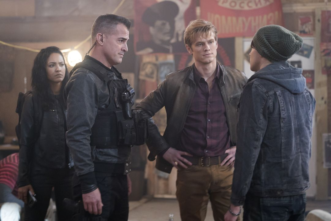 (v.l.n.r.) Riley Davis (Tristin Mays); Jack Dalton (George Eads); Angus MacGyver (Lucas Till) - Bildquelle: Annette Brown CBS © 2018 CBS Broadcasting, Inc. All Rights Reserved. / Annette Brown