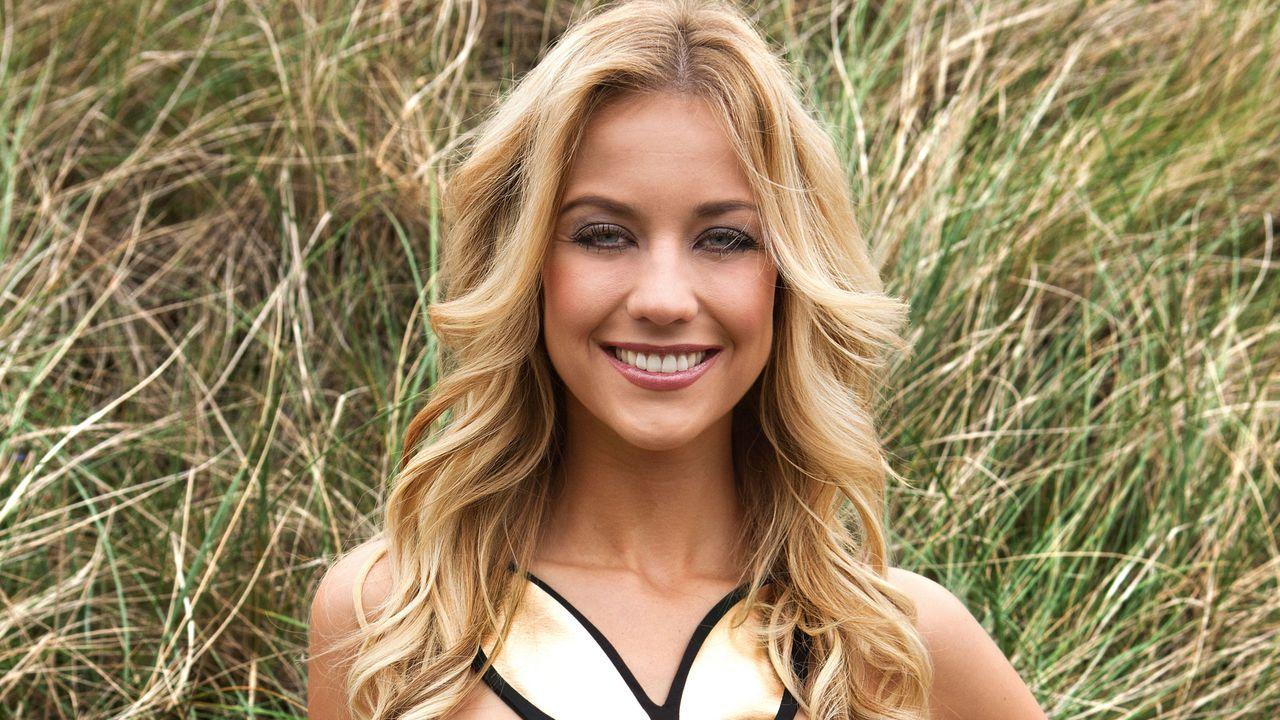 Carolin Stueber - Bildquelle: Alexander Paulin für Playboy Dezember 2011