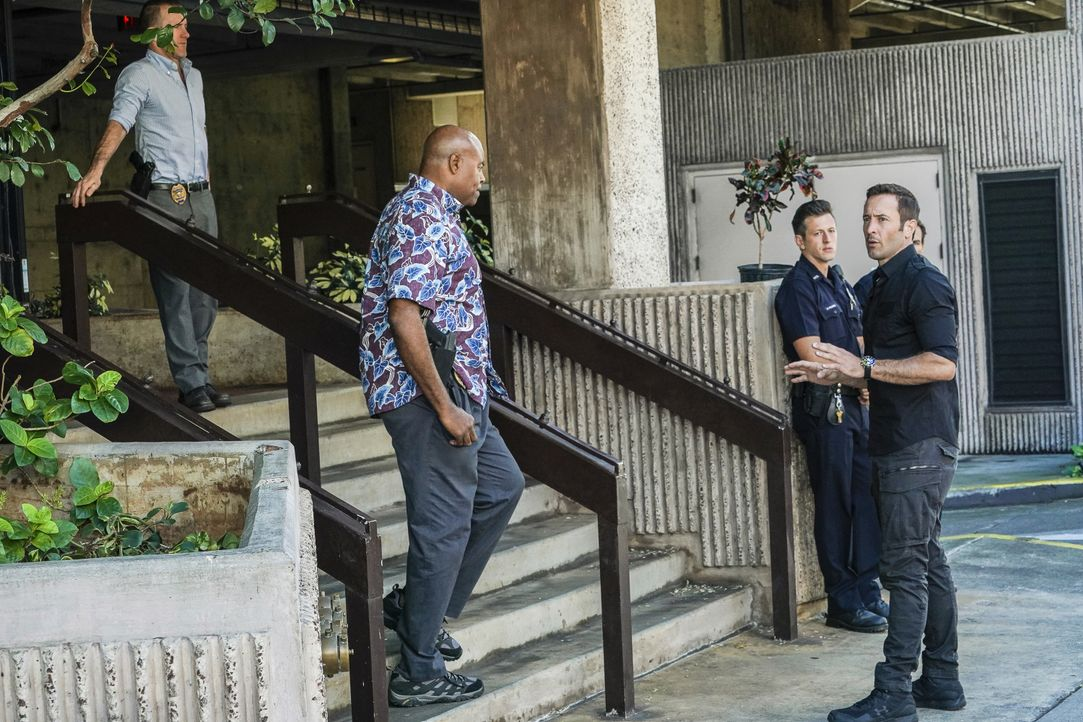 (v.l.n.r.) Danny Williams (Scott Caan); Lou Grover (Chi McBride); Steve McGarrett (Alex O'Loughlin) - Bildquelle: Karen Neal 2019 CBS Broadcasting, Inc. All Rights Reserved / Karen Neal