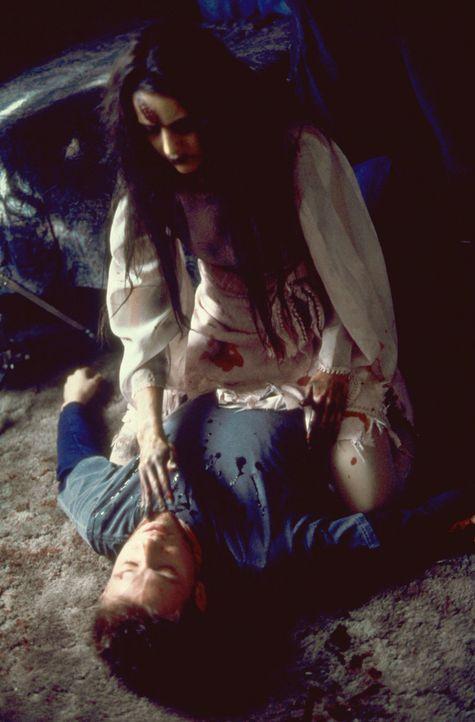 30 Jahre nachdem Mary getötet wurde, erscheint sie mit Hilfe einer Beschwörungsformel wieder auf Erden und will sich nun an ihren Peinigern von ei... - Bildquelle: Sony 2007 CPT Holdings, Inc.  All Rights Reserved.