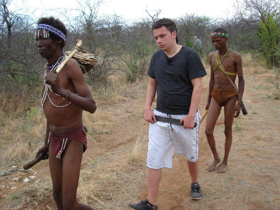 Für Selina und Dennis (M.) hat das disziplinlose Leben bald ein Ende: Statt Shopping, Sex, Kiffen und Dealen ist für die Teenies in Namibia harter A... - Bildquelle: SAT.1